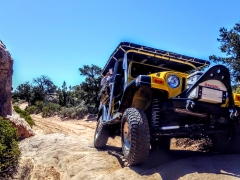 Yellow-Jeep-Front-Shot-out-on-Trail